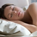Dormir en soutien-gorge pendant la période de développement des seins
